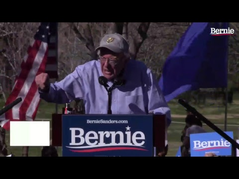 Bernie Rallies Supporters in Henderson 0bc69229e095