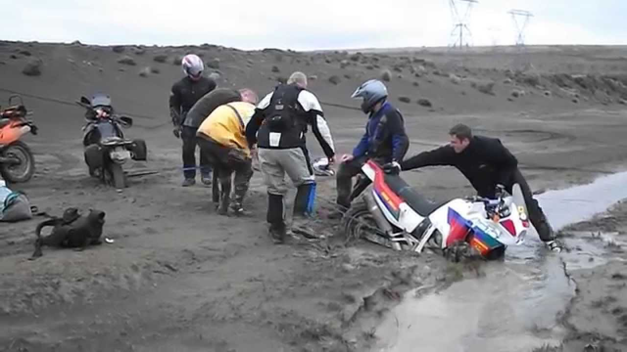 rd04 xrv750 africa twin stuck in quicksand at waiouru army. Black Bedroom Furniture Sets. Home Design Ideas
