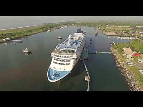 Norwegian Sun - Cruise Ship in Guatemala Puerto Quetzal