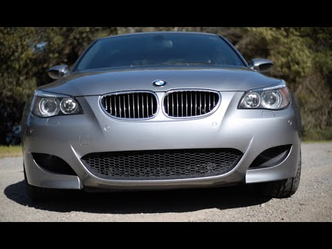 e60 bmw m5 vs e39 bmw m5 head to head review youtube. Black Bedroom Furniture Sets. Home Design Ideas