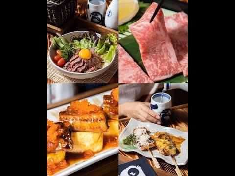 """#กินเป็นเรื่อง วันนี้ไผง่อมอาหารญี่ปุ่นแบบเดิม ๆ น้าขอแนะนำร้านใหม่สด ๆ ฮ้อน ๆ ที่เป็นร้านอาหารญี่ปุ่นอิซากายะ ชื่อร้าน """"Okada Izakaya"""" 💕 ตกแต่งแบบตรอกอิซากายะในโตเกียว เปิดเพลงยุค 80's คลอเบา ๆ มีวิวระเบียงที่มองลงมาเห็นใบเมเปิลสีแดงราวกับอยู่ญี่ปุ่นช่วงฤดูใบไม้ร่วง ที่นั่งโอ่โถง กว้างสบาย มีครัวเปิดมองเห็นเชฟทำอาหารลำ ๆ หื้อลองกินได้สบายตา ร้านนี้เต็มไปด้วยเมนูวาไรตี้ของย่างกับแกล้มชั้นยอด เมนูเนื้อวากิวชั้นเยี่ยมส่งตรงจากประเทศญี่ปุ่น 🇯🇵 ที่ทำออกมาในเมนูพิเศษมีเพียงร้านเดียวในเชียงใหม่เท่านั้น และยังมีเมนูอาหารญี่ปุ่นให้ได้เลือกลองกินอีกมากมาย อย่างไข่หวานท็อปปลาไหลย่าง คานิมิโซะ แซลมอนซาชิมิ ยากิโซบะ แถมมีจุดถ่ายรูปใหม่ ๆ ที่ได้เล่นกับแสงไฟสีม่วง ชมพูให้อัปลงโซเชียลได้ไม่ซ้ำมุม ถือเป็นที่นั่งแฮงก์เอาต์ที่ได้บรรยากาศย้อนไปยุคเก่า นั่งได้เมินชิลไปทั้งคืน 😘 . 📍 พิกัด : 1/4 ถนนนิมมานเหมินท์ ซอย 9 ตำบลสุเทพ อำเภอเมือง จังหวัดเชียงใหม่ ☎️ โทร. 080-252-6964 ⏰ เวลาเปิด-ปิด : ทุกวัน 17:00 – 01:00 น. 👉🏻 อ่านรีวิวเพิ่มเติม https://wongn.ai/v8r7a"""