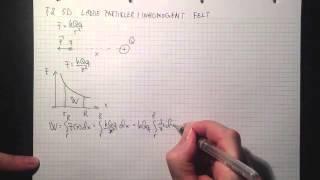 Fysikk 2 5D ladde partikler i inhomogent elektrisk felt Teori
