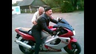 видео: Дед и Yamaha YZF