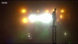 Twenty one pilots -Tyler Joseph crowd surfing incident  Reading festival 2016