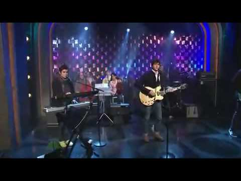 Vampire Weekend - Kids Dont Stand a Chance (live on Conan).avi
