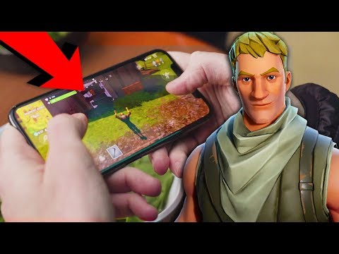 Fortnite Battle Royale Gameplay on Mobile (How the Controls Work)