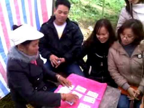 Xem bói đầu xuân ở Phủ Na-Triệu Sơn-Thanh Hóa