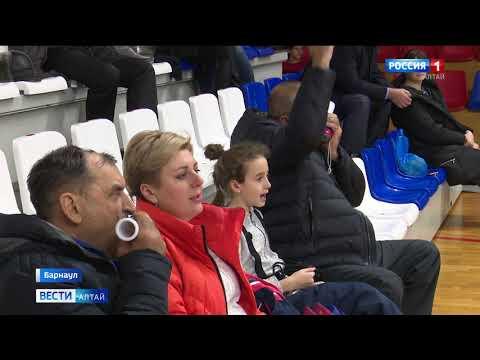 В Барнауле 5 женских волейбольных команд завершили игры третьего тура чемпионата РФ