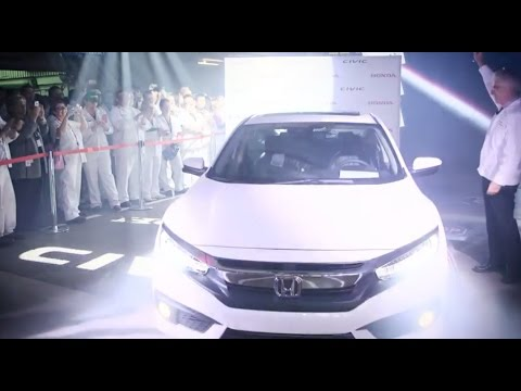 The Ceremonial First 2016 Honda Civic Off The Line In Canada
