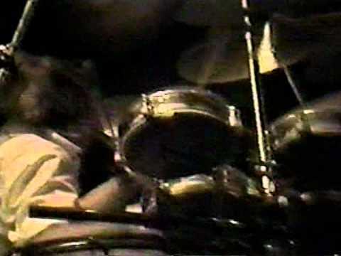 queen live in sao paulo 3-20-1981 part 1.VOB