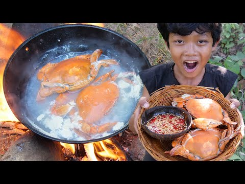 Survival Skills - Cooking crab and eating delicious Ep58
