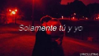 Play Un Beso