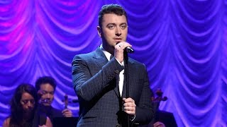 Repeat youtube video Sam Smith Performs 'Lay Me Down'