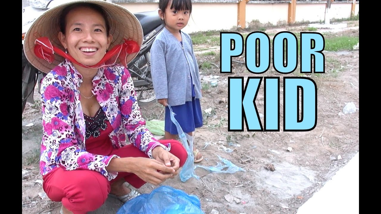 Poor People Toys : Happy vietnam kid can t afford toys plays with plastic