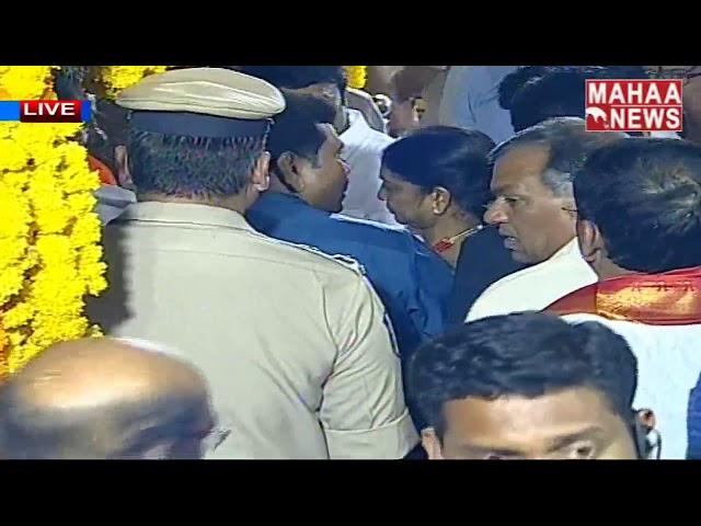 Telangana CM KCR At Ujjaini Mahankali Bonalu 2019 | Secunderabad | MAHAA NEWS LIVE