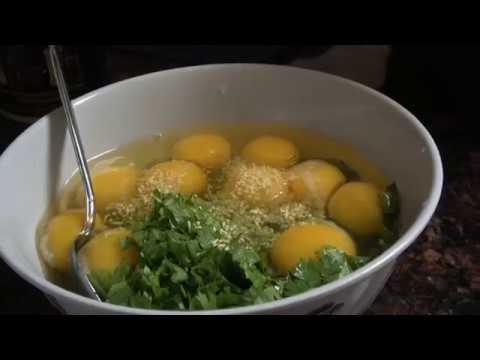 Cooking The Best Hmong Eggs Dish and more ( kib qe noj thiab tuav qaub noj)