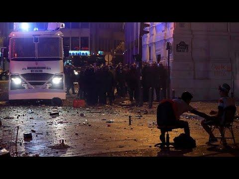 Violência mancha festejos em França