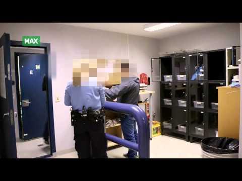Politiet undersøker kvinne for narkotikabesittelse