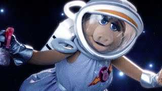 "Repeat youtube video The Muppets | Pigs in Space | ""The Gravity of the Situation"""