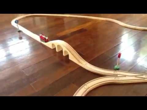 Pista trenino thomas a sgambiscio su binari ikea youtube - Trenino di legno ikea ...
