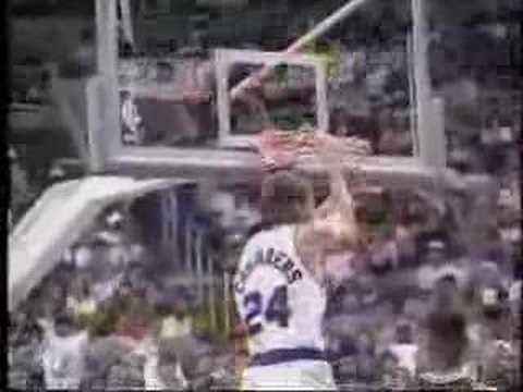 NBA Dunk - Tom Chambers vs. Bulls