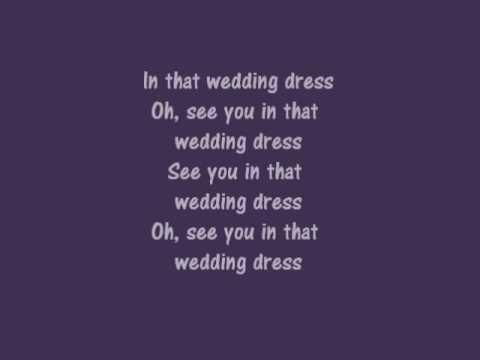 Lirik Wedding Dress 3