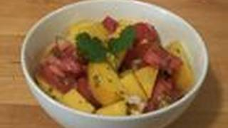 How To Make Spicy Mango And Tomato Salad