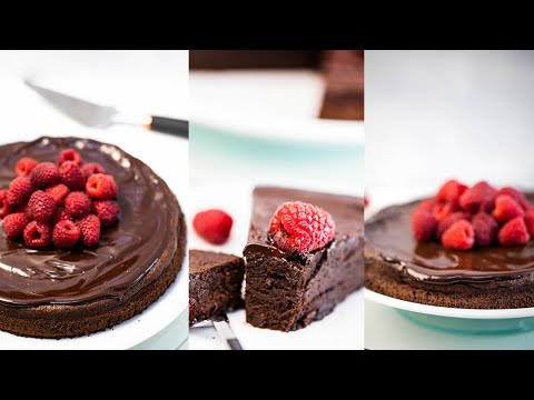 Sugar-free Keto Flourless Chocolate Cake 5g net carbs LowCarbSpark