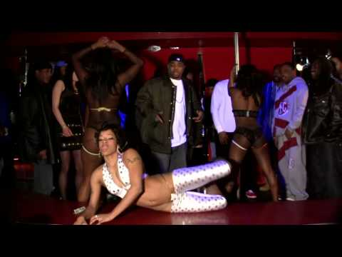 Lil' Kim (Featuring Sisqo) - How Many Licks? (Video) from YouTube · Duration:  3 minutes 53 seconds