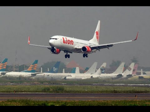 Lion Air flight from Jakarta to Pangkal Pinang crashes in Java Sea, wreckage found