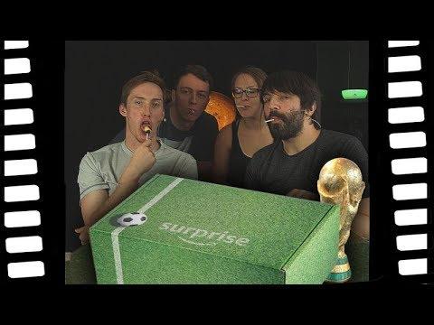 Was ist in der WM Surprise Box von Amazon? | Fußball Unboxing