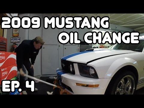 2009 MUSTANG MAINTENANCE OIL CHANGE!
