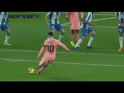 Messi es humano?  dos goles de tiro libre en sólo partido en diferentes posiciones