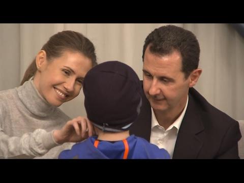 Bashar al-Assad & Asma reciben a mujeres y niños liberados tras 3 años de secuestro por terroristas