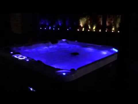 gartengestaltung mit whirlpool auf terrasse und led. Black Bedroom Furniture Sets. Home Design Ideas