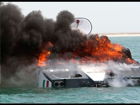 Offshore powerboat on fire in Doha On board camera, CRAZY!
