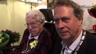 Oudste inwoner van Overijssel jarig, mevrouw Van Hessem uit Dalfsen is 107 geworden