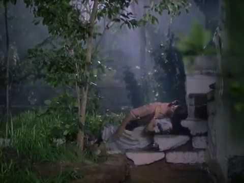 Sushma Prakash Kisses Dalip Tahil - Trikal - Most Sensuous Bollywood