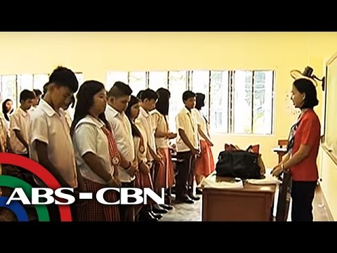 TV Patrol: Ilang magulang, nakukulangan sa voucher ng DepEd para sa SHS