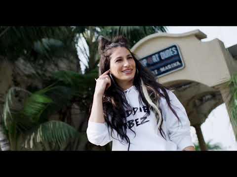 Смотреть клип Lexy Panterra - New Phone