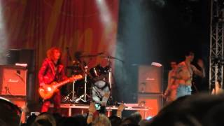 The Darkness - Get Your Hands Off My Woman Live Download Festival 2015