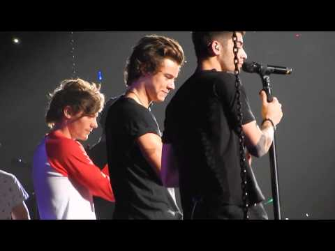 One Direction - Moments HD 16/10/13 Melbourne