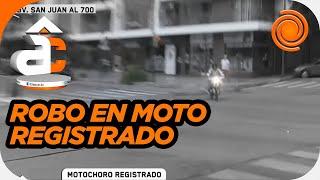 Un motochoro robó al frente de las cámaras de televisión