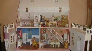 Miniature Victorian Style Doll House