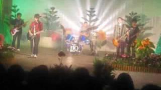 Dép Tổ Ong - Đường Đến Ngày Vinh Quang (Bức Tường) Cover - Live