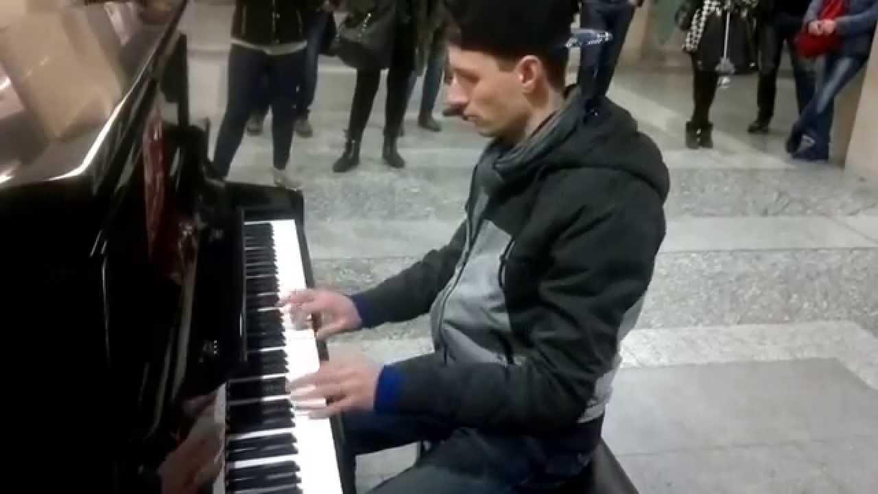 Improvvisazione al pianoforte stazione torino porta nuova - Collegamento torino porta nuova aeroporto caselle ...