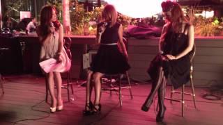 東急プラザ表参道原宿の天空のテラス「おもはらの森」で、2012年9月12日...