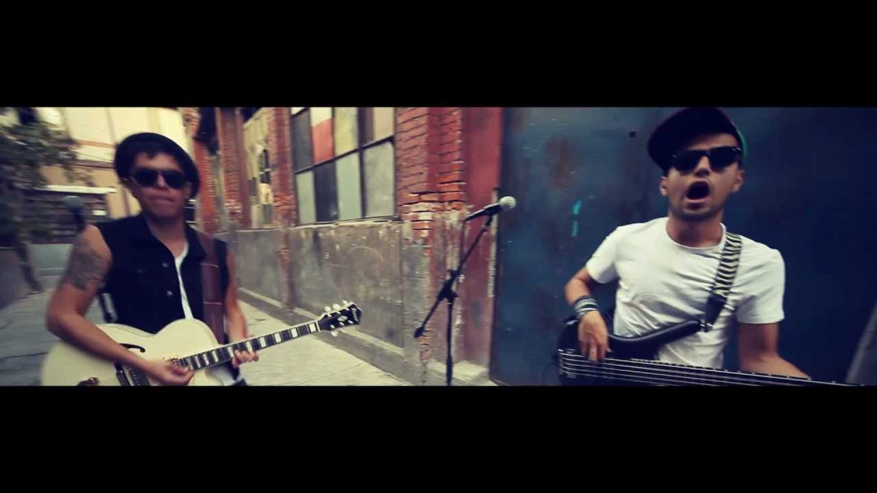 TX-MSS - Walkin' by (VIDEO OFICIAL) - YouTube
