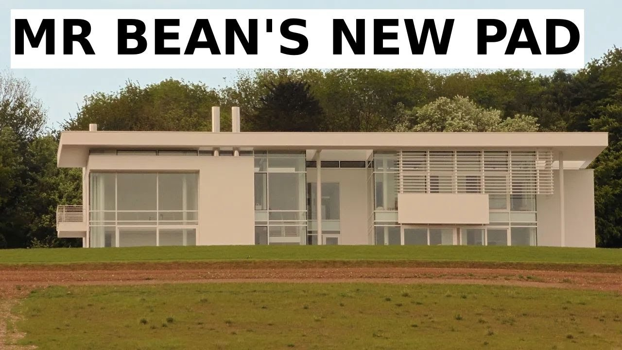 Mr bean 39 s space age house oxfordshire rowan atkinson for Rowan house