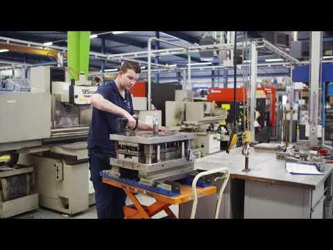 Productie Van Bladveren Bij Technische Veren Twente